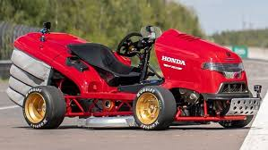 {cortacesped robot lizard mower}